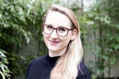 Headshot of Caitlin Moe