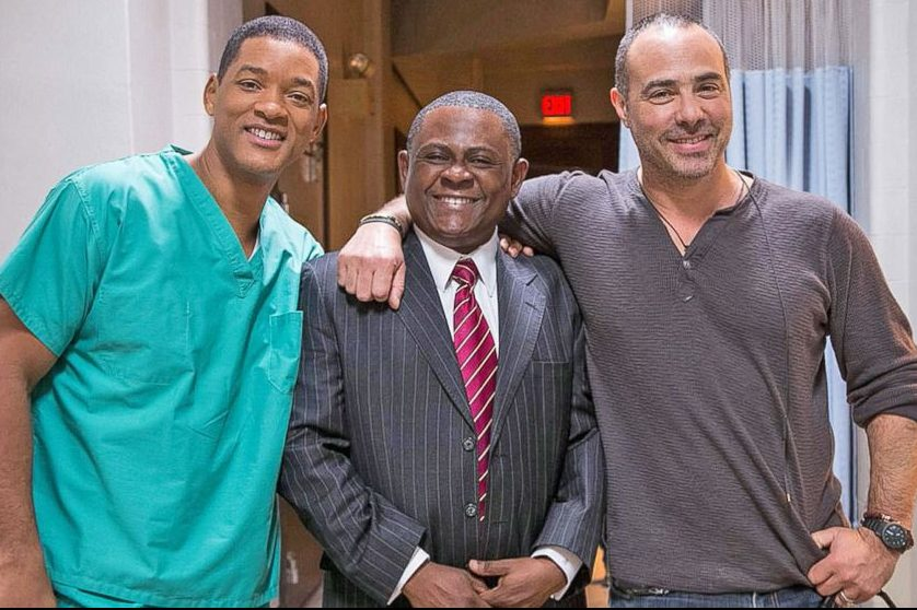 Bennet Omalu with Will Smith on the set of